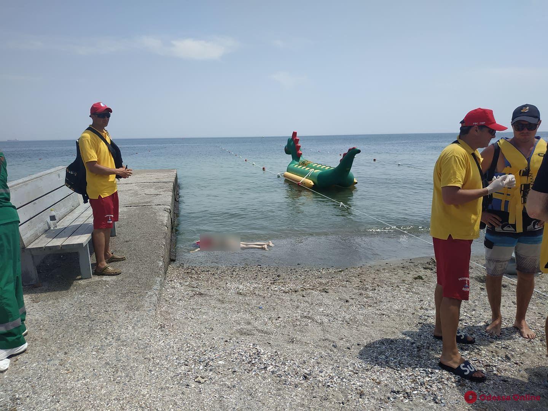На одесском пляже умерла женщина (обновлено)