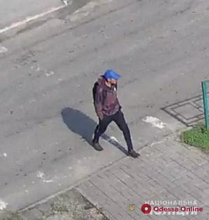 Полицейские разыскивают подозреваемого в убийстве женщины из Харьковской области
