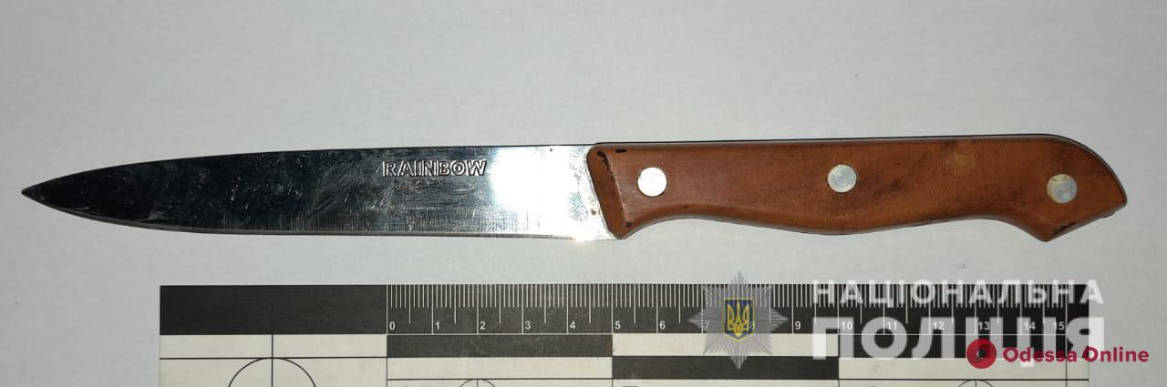 Житель Хмельницкой области в кафе ударил одессита ножом