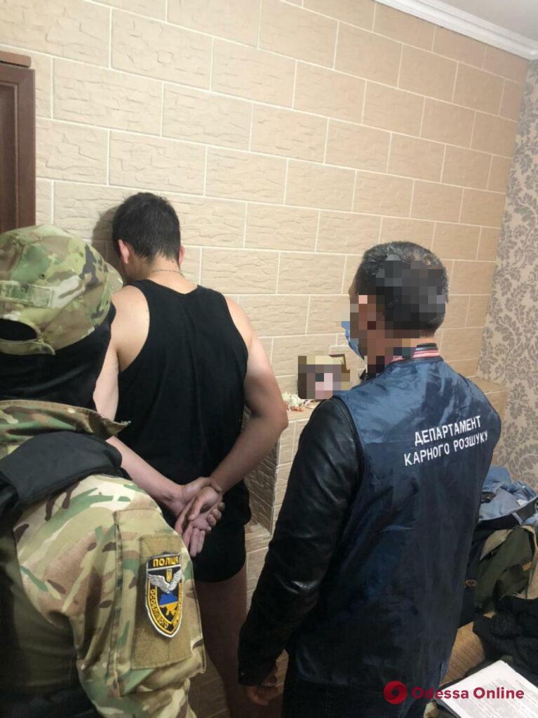 «Развели» на 17 миллионов: правоохранители задержали группу мошенников, среди которых есть жители Одесской области