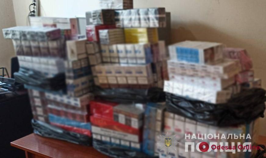 Контрабанда в розницу: на одесском рынке торговали нелегальными сигаретами