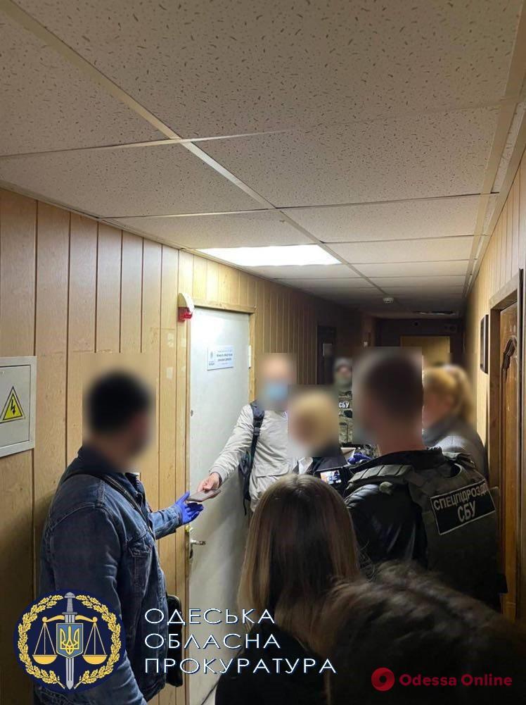 Одесса: стали известны подробности дела полицейской, которая торговала похищенным из вещдоков кокаином