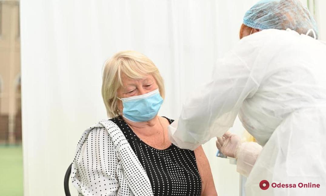 В Одессе в воскресенье будут работать три пункта вакцинации от COVID-19