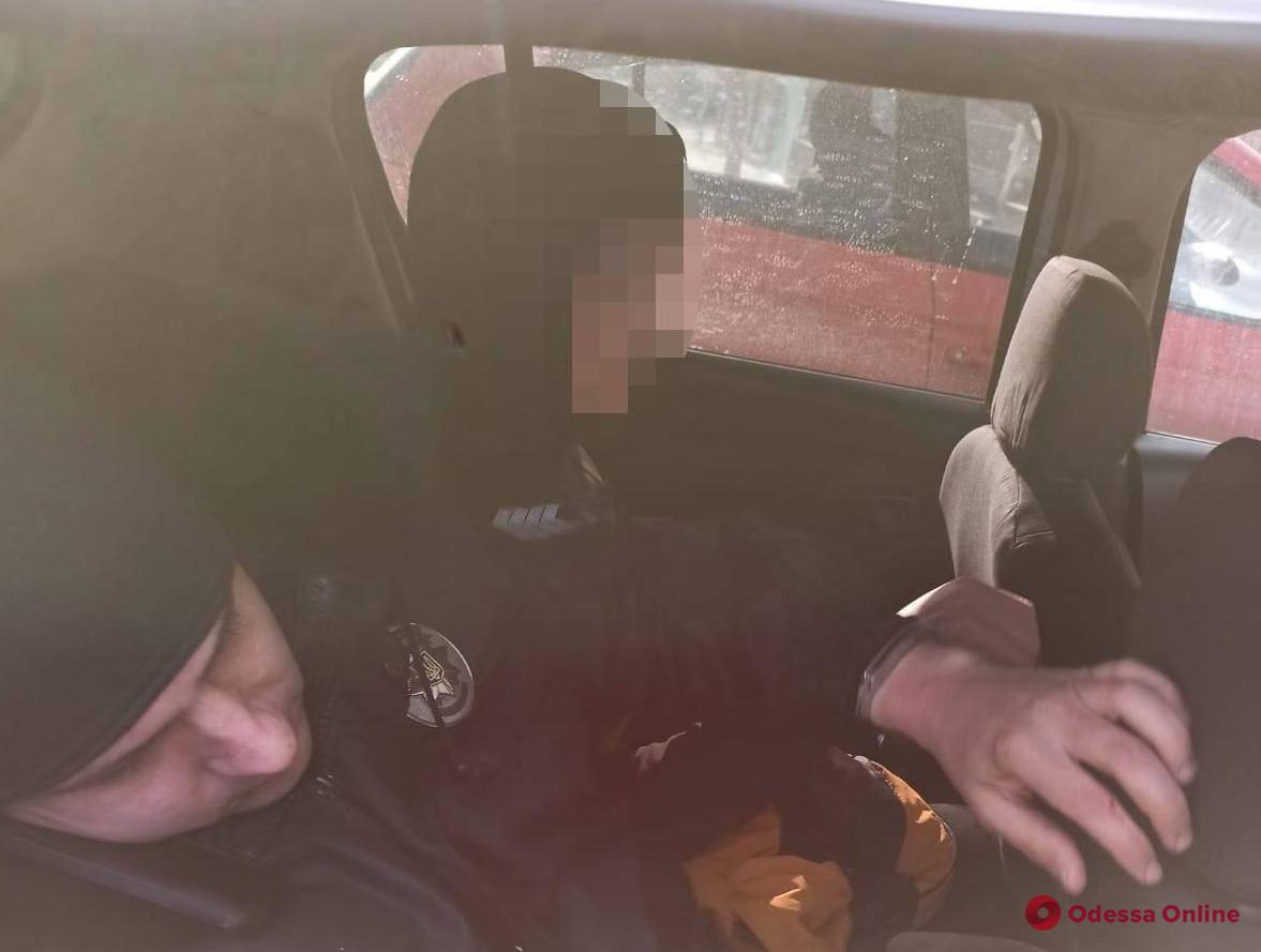 Суд вынес приговор 18-летнему парню, который ограбил школьника