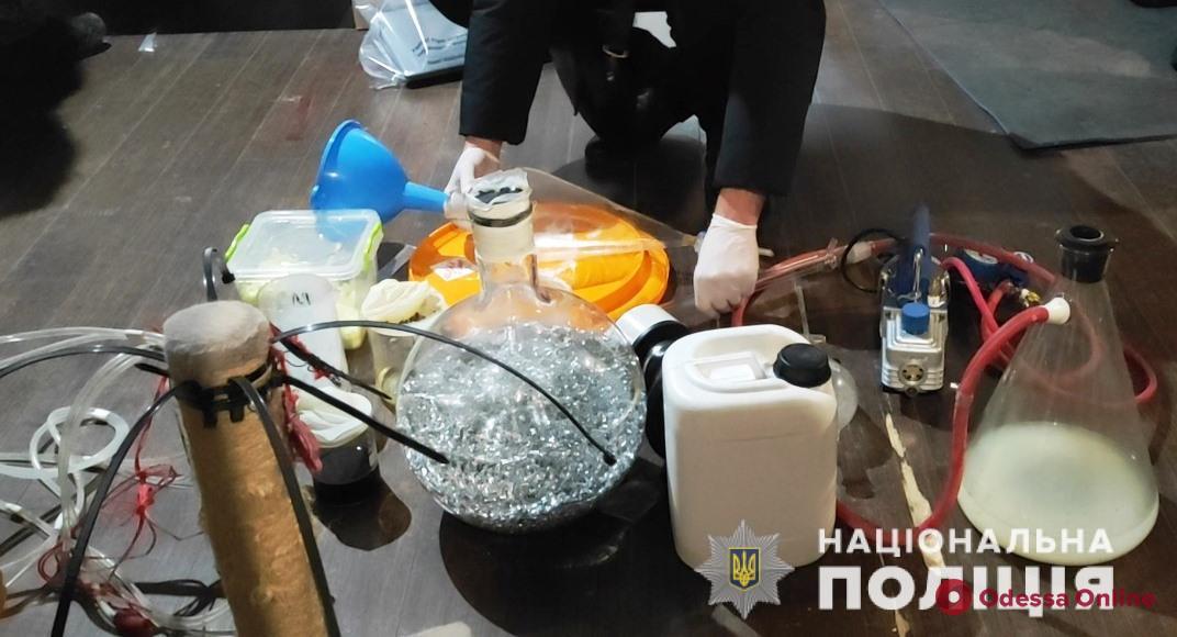 Изготавливали и продавали амфетамин: в Одесской области будут судить членов наркогруппировки (фото)