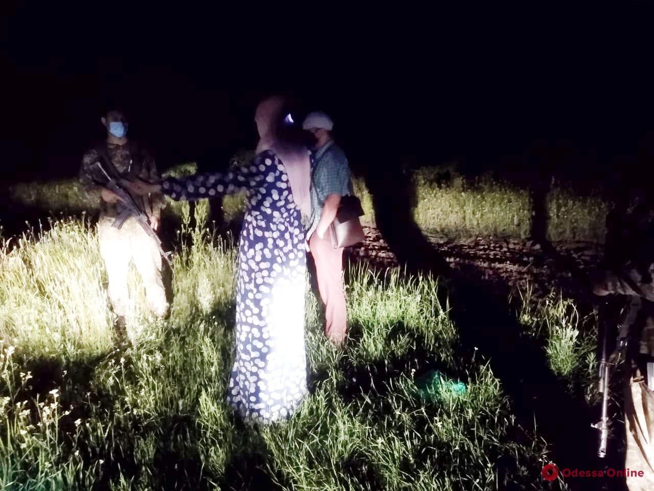 В Одесской области пограничники задержали троих граждан РФ – двое нарушили границу, а один хотел дать взятку