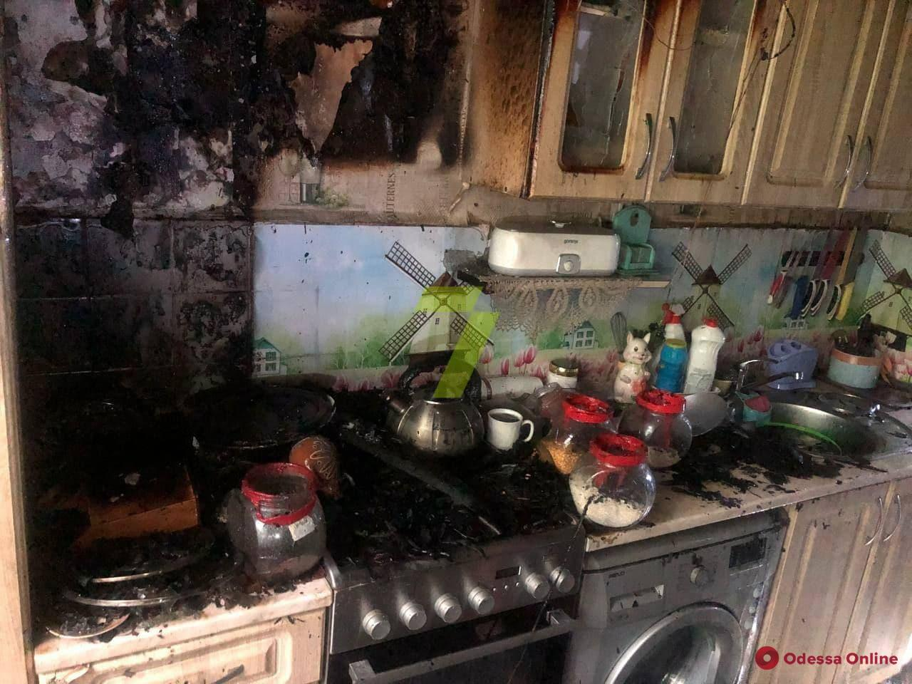 В квартире на Мечникова произошел пожар