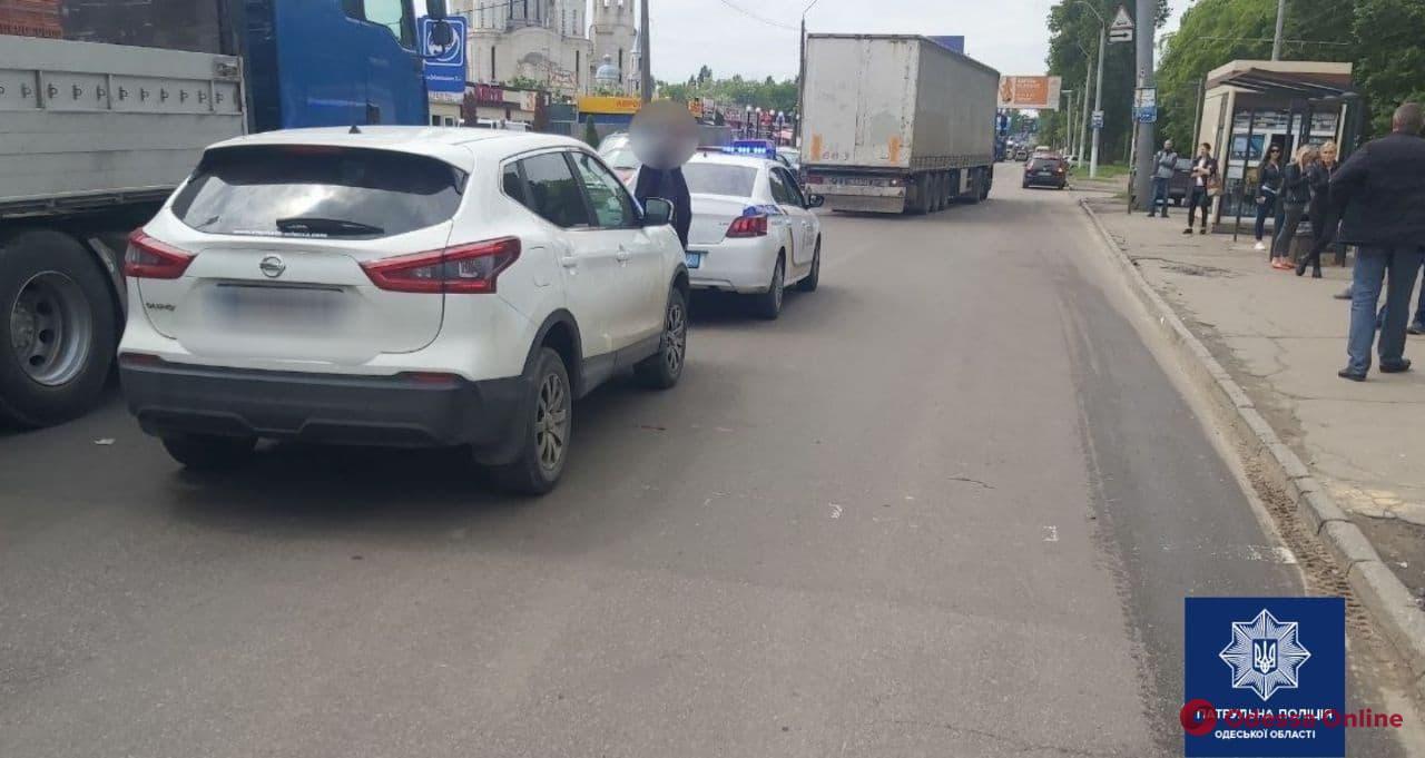 На поселке Котовского автомобиль сбил женщину