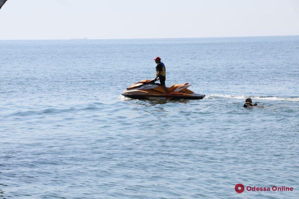 На Ланжероне провели учения спасатели-водолазы (фото)