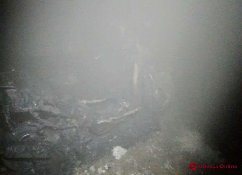 В жилом доме на Слободке произошел переполох из-за загоревшегося мопеда