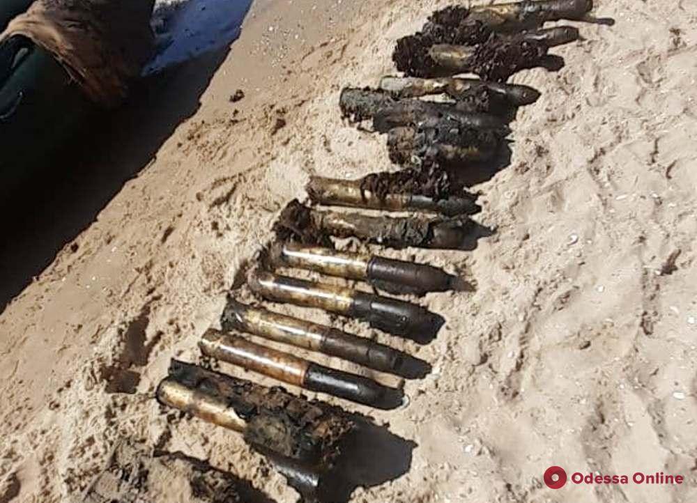 В Одесской области водолазы поднимают боеприпасы с затонувшего судна времен Второй мировой войны