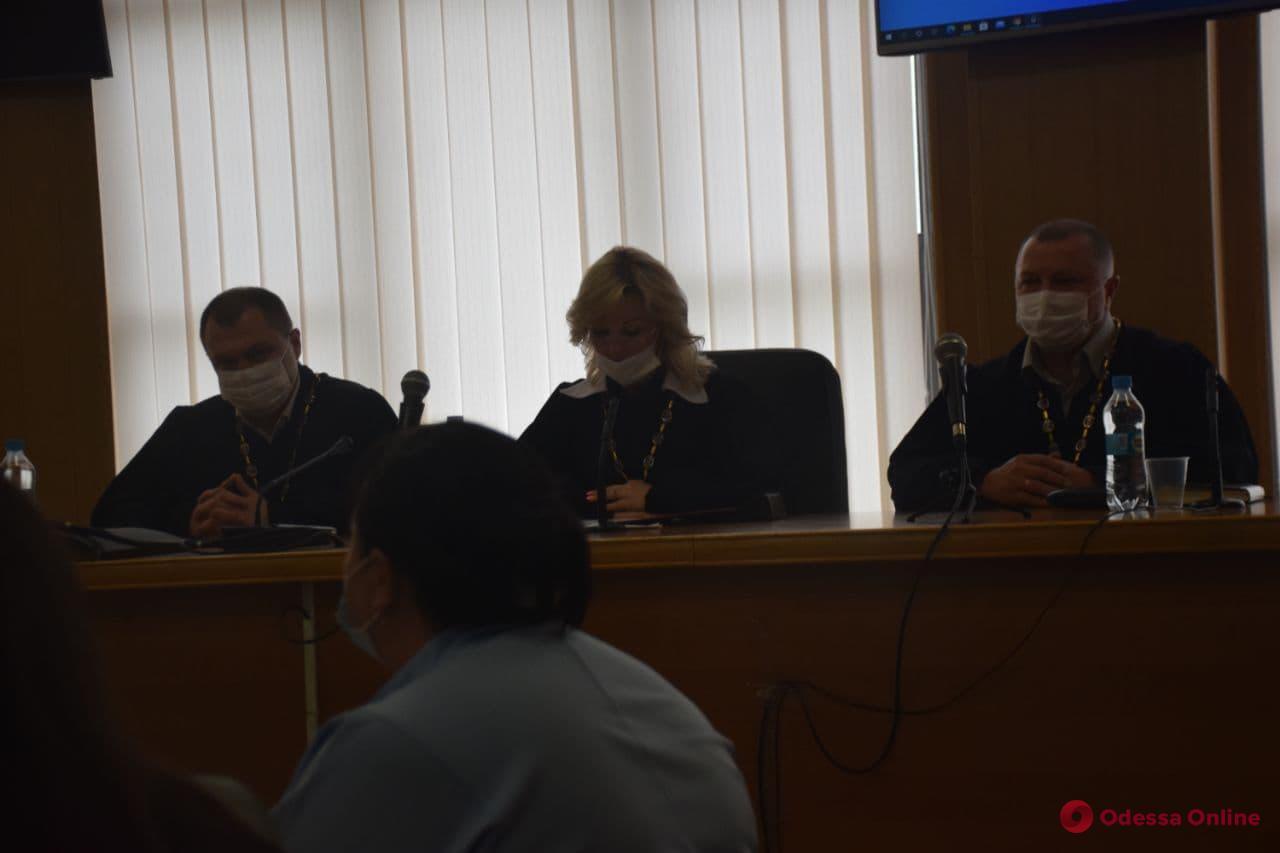 Смягчившие приговор Стерненко судьи подали в отставку