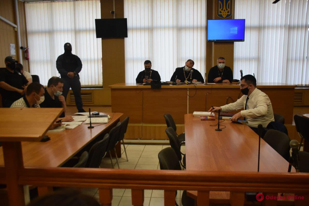 Одесский активист Евгений Резвушкин пытается выйти из СИЗО