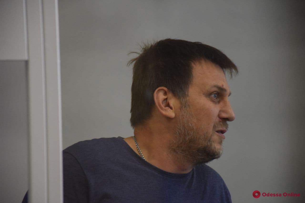 Апелляционный суд оставил в СИЗО одесского активиста Евгения Резвушкина