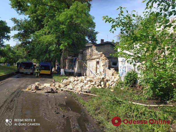 В районе Пересыпи рухнула стена здания и повредила газовую трубу