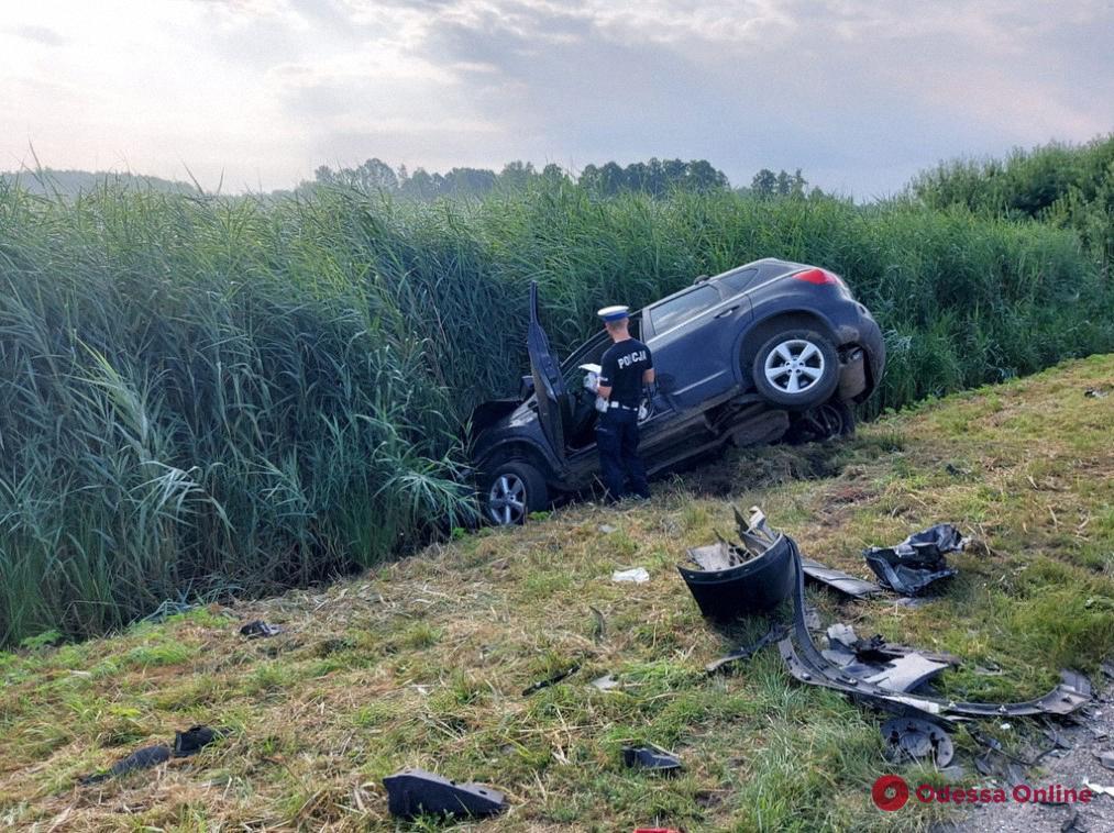 Десять человек получили травмы при аварии автобуса с украинцами в Польше (обновлено)