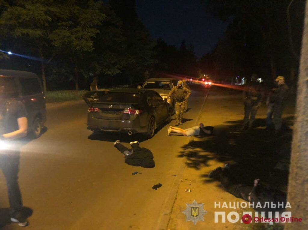 В Одессе задержали офисных воров с сейфом в машине