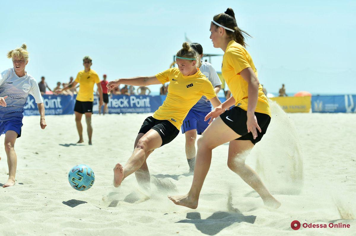 В Черноморске пройдет чемпионат Украины по пляжному футболу среди женских команд