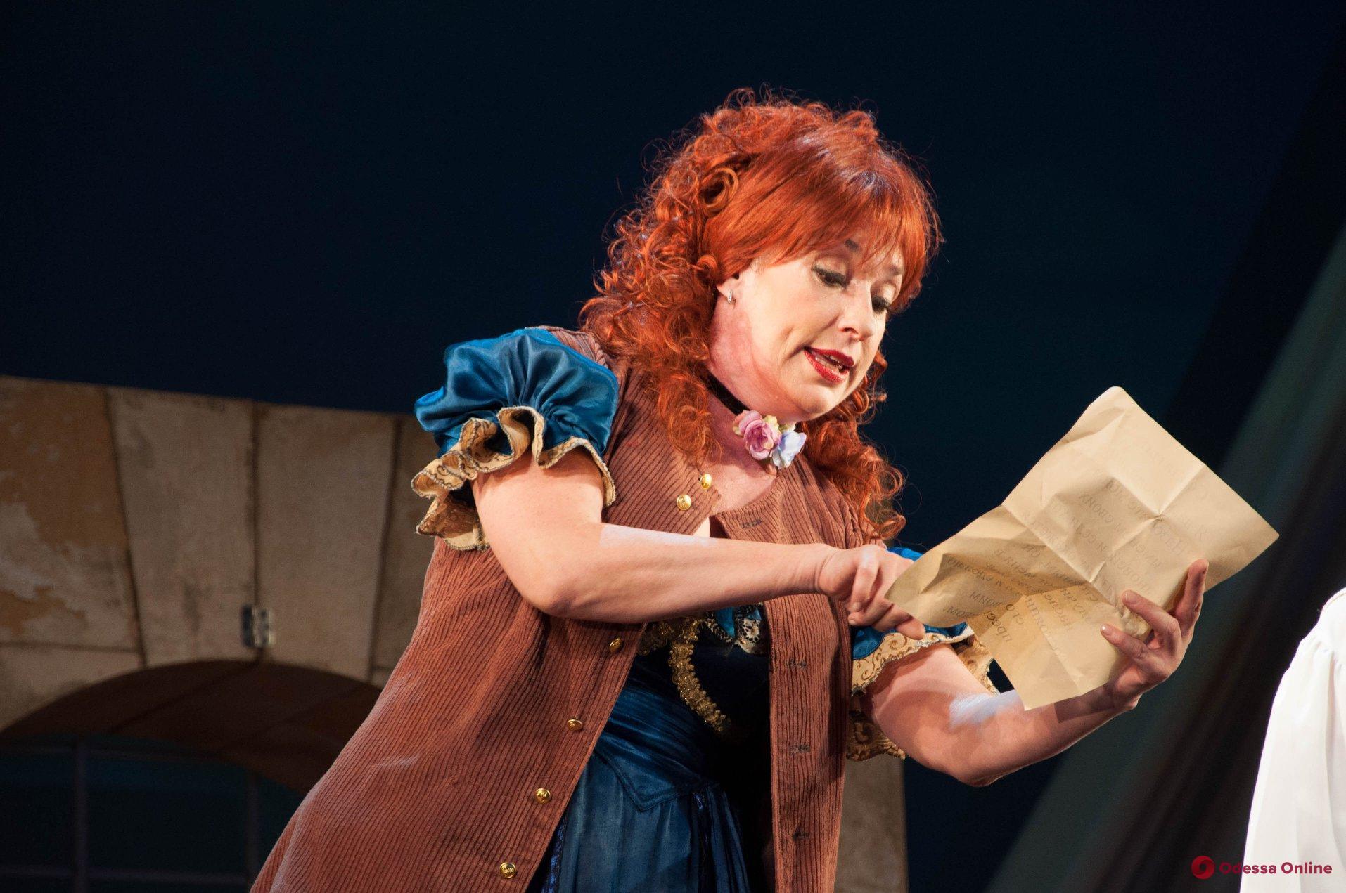 Инсульт: актрисе Одесского русского театра нужна помощь