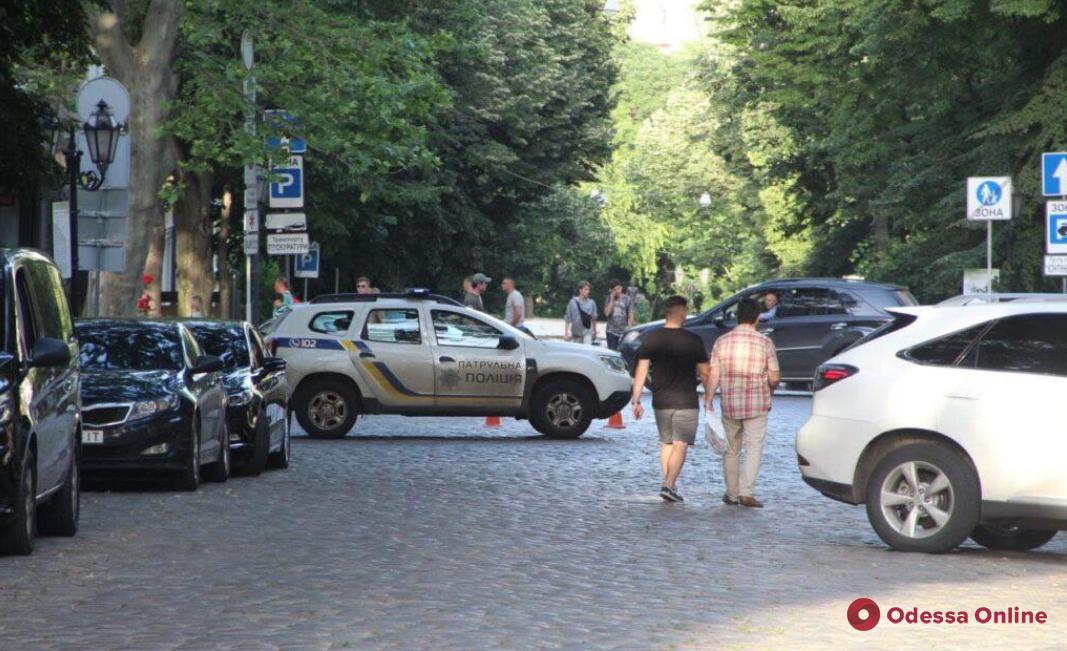 В Одессе создали базу данных авто, которые смогут заезжать в пешеходную зону по выходным
