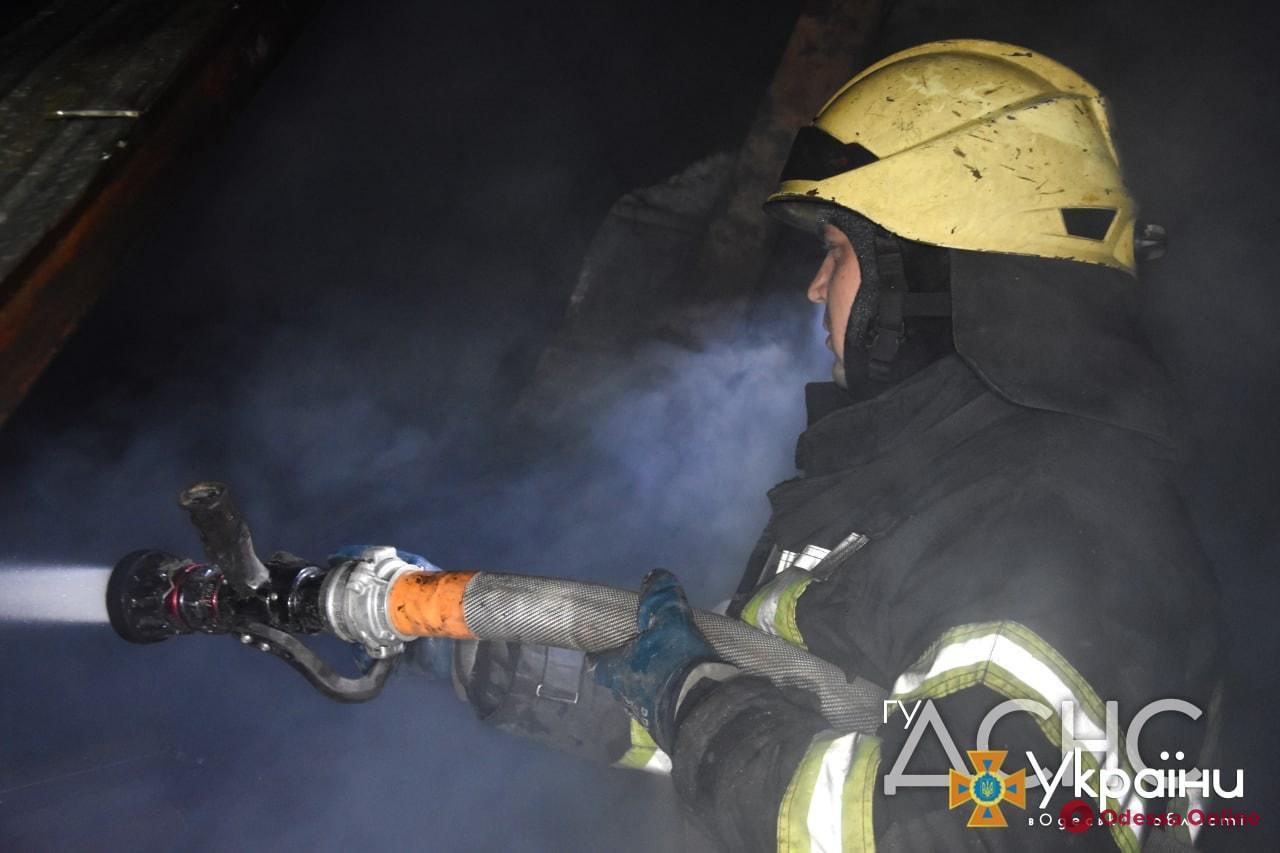 В Подольске во время пожара в девятиэтажке спасли мужчину
