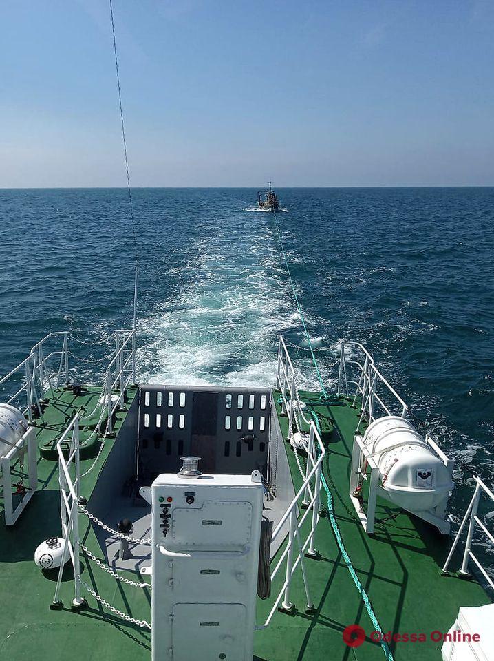 Корабли Черноморского флота РФ проигнорировали сигнал SOS с терпящего бедствие украинского рыболовецкого судна, — Минобороны