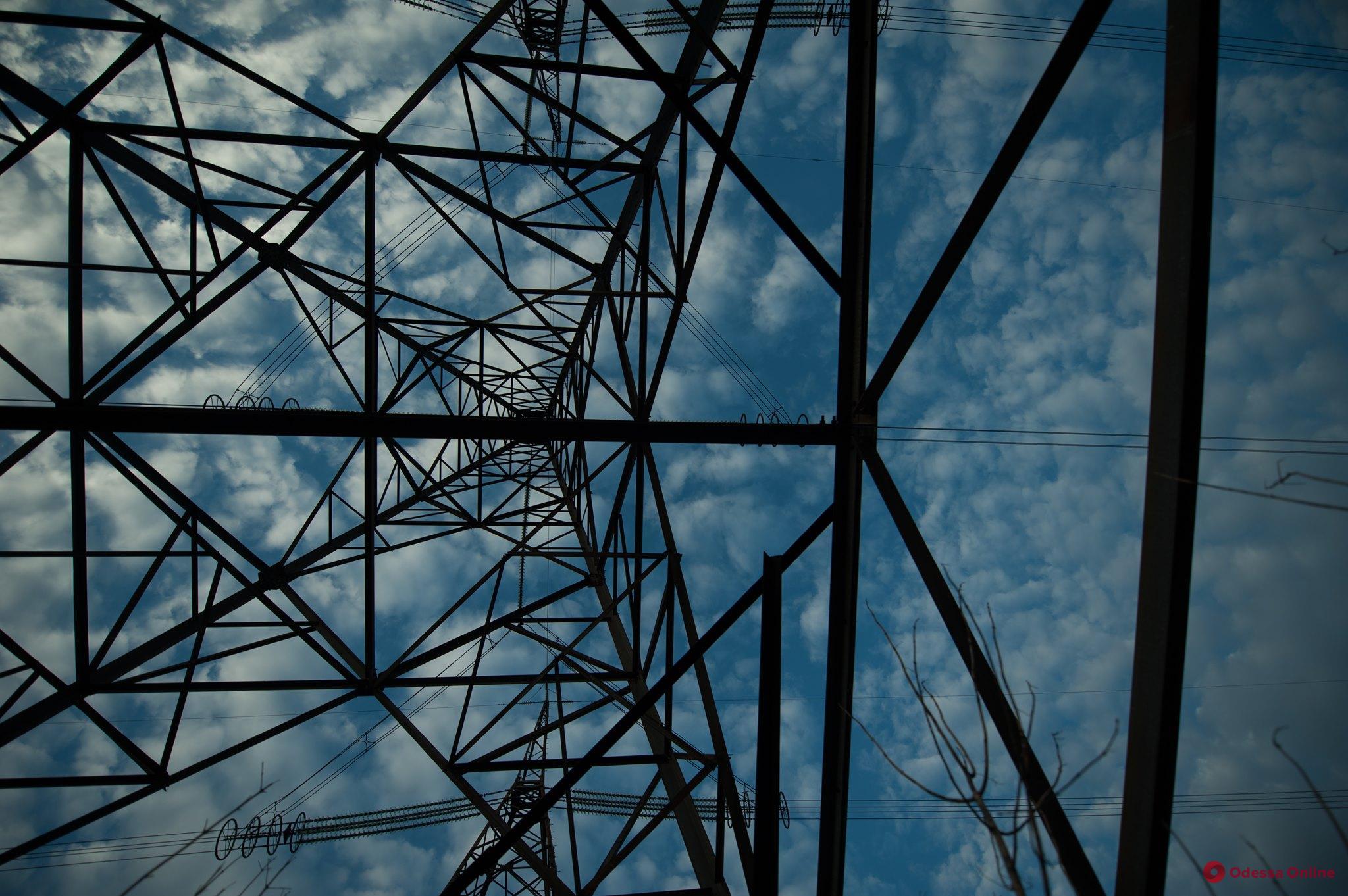 В Одесской области свыше сотни населенных пунктов остались без света из-за масштабной аварии на Молдавской ГРЭС (обновлено)