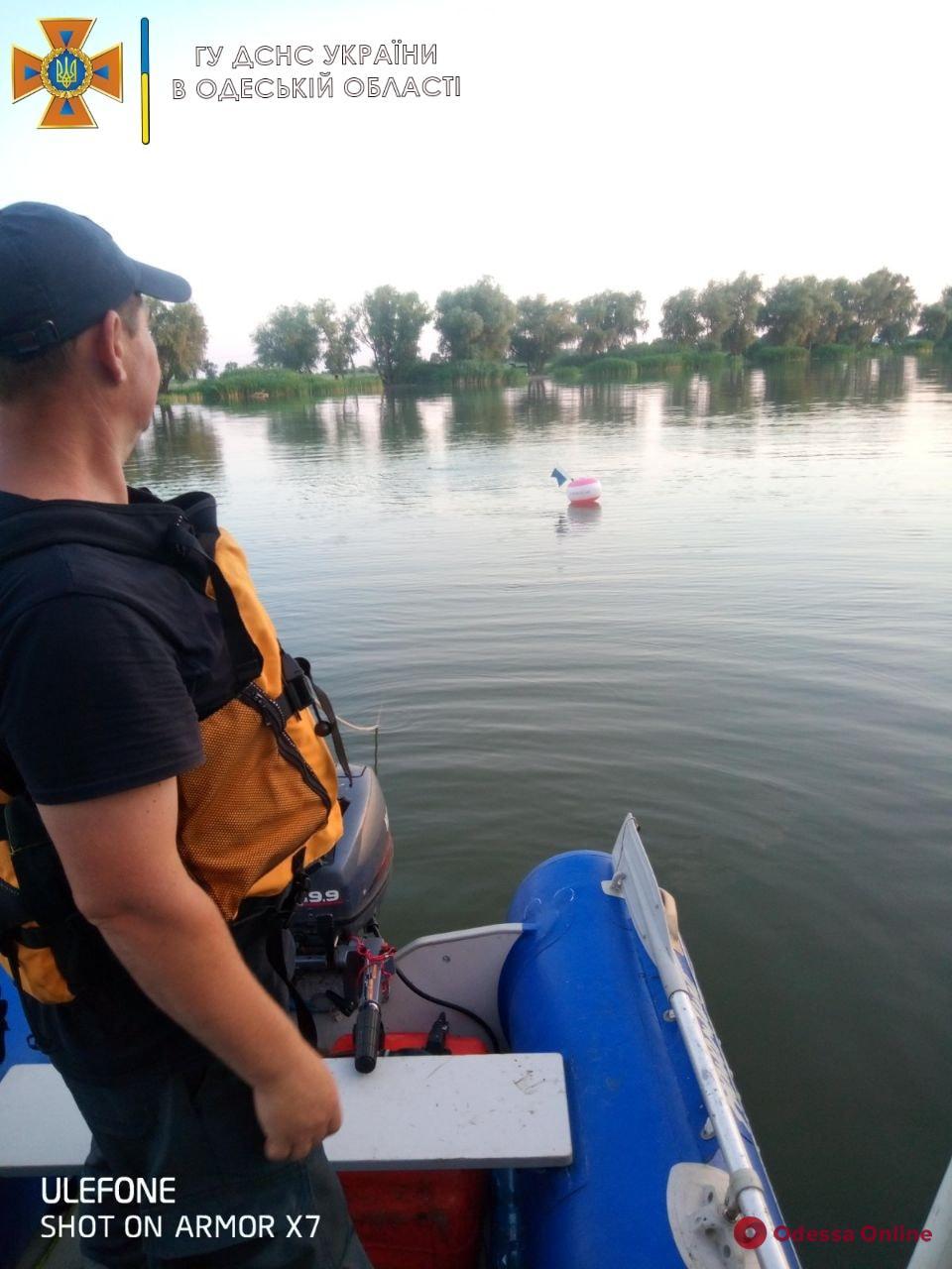 Выпал из лодки: на Днестре в Одесской области ищут пропавшего рыбака