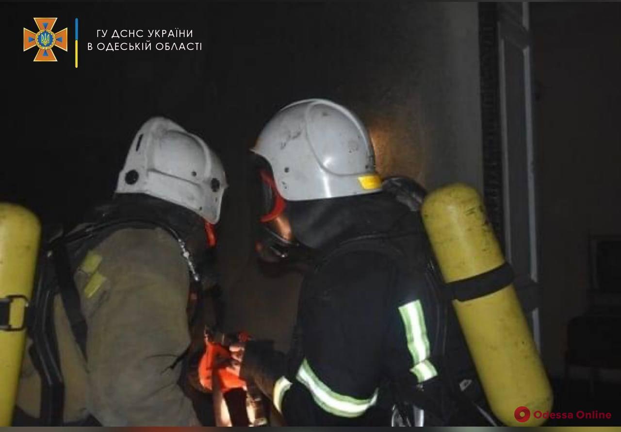 ЧП на Ивана Франко: пожарные спасли двух пожилых людей