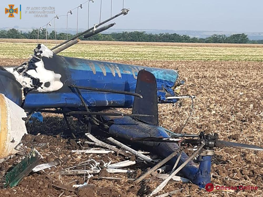 В Николаевской области упал и загорелся вертолет — два человека погибли