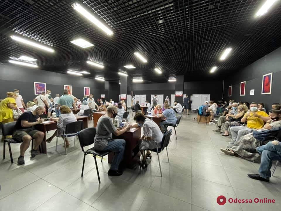 Pfizer, Moderna или CoronaVac: в Одессе открылись десять центров массовой вакцинации