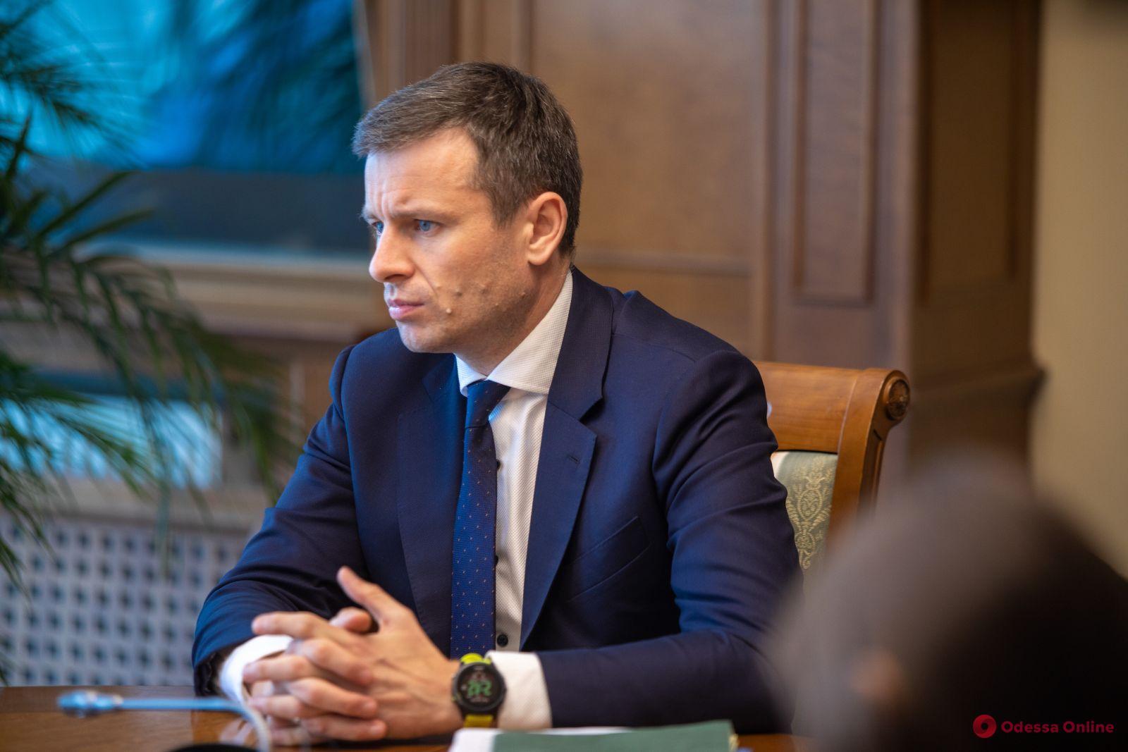 Министр финансов: в 2022 году минимальную зарплату в Украине планируют увеличить до 7 700 гривен