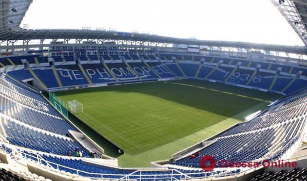 Мэр Одессы раскритиковал владельцев стадиона «Черноморец» за горы мусора в парке Шевченко после концертов Монатика и Коржа
