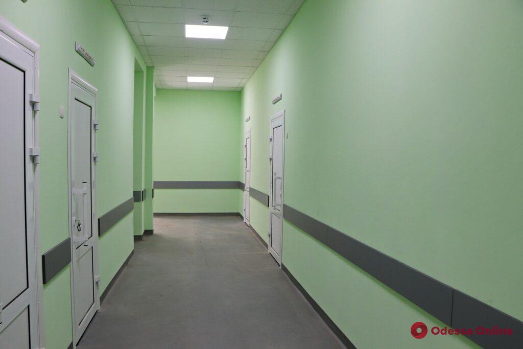 «Маршрутизация» пациентов, колл-центр, новое оборудование: в ГКБ №10 готовят к открытию отремонтированные отделения (фото)