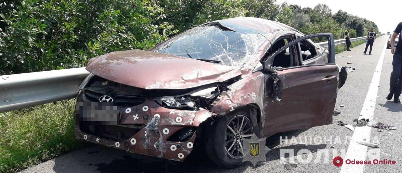 На трассе Киев—Одесса автомобиль Hyundai врезался в отбойник – водитель погибла