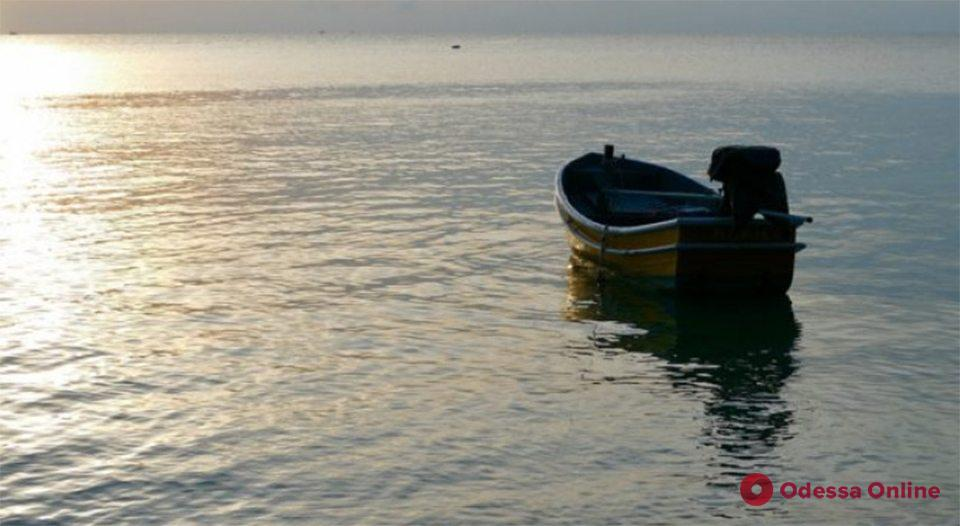 Уплыл на лодке: на озере в Одесской области разыскивают пропавшего рыбака (обновлено)