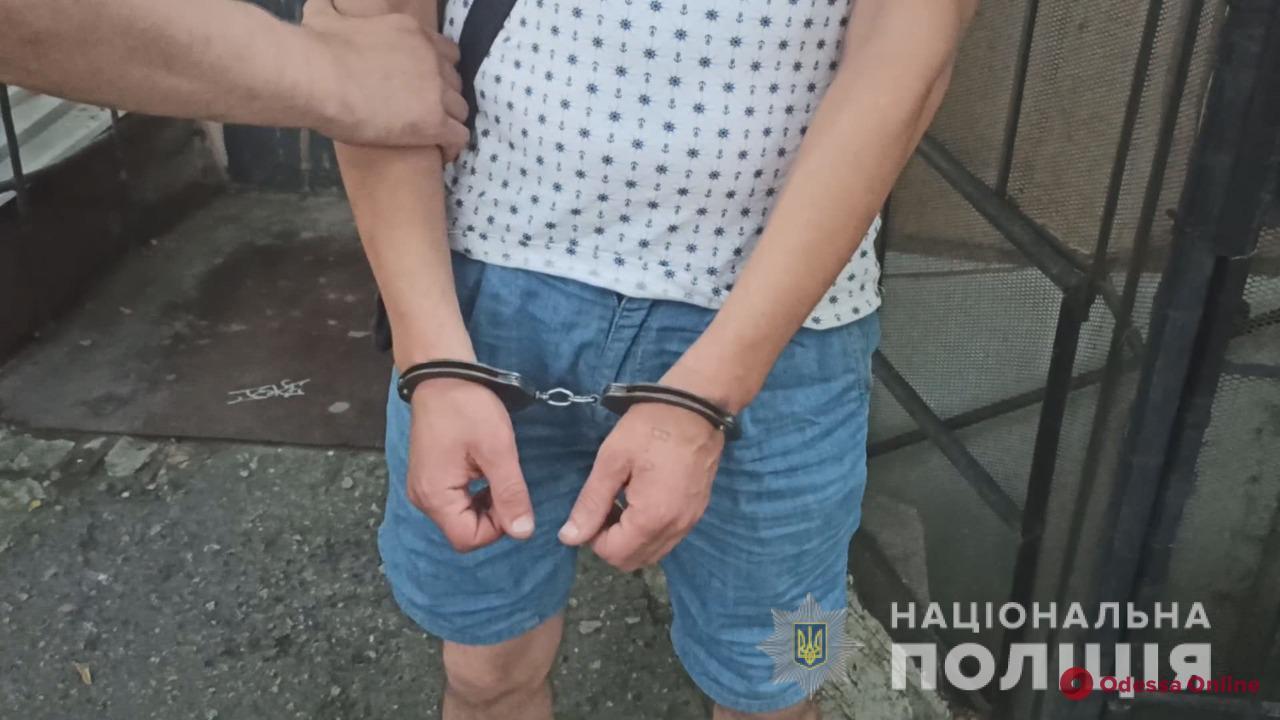 В Одессе туристы из столицы арендовали квартиру и остались без ценных вещей