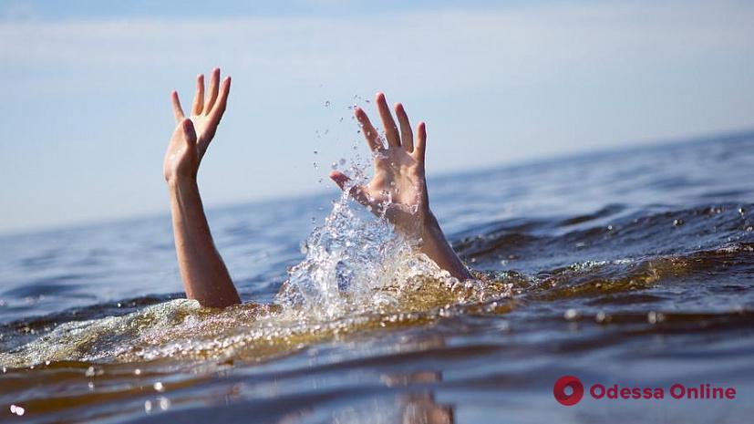 В Лузановке спасли тонущую женщину