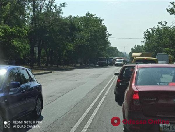 Из-за ДТП на Грушевского образовалась большая пробка (видео, обновлено)