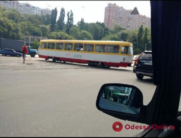 В Одессе трамвай №15 сошел с рельсов