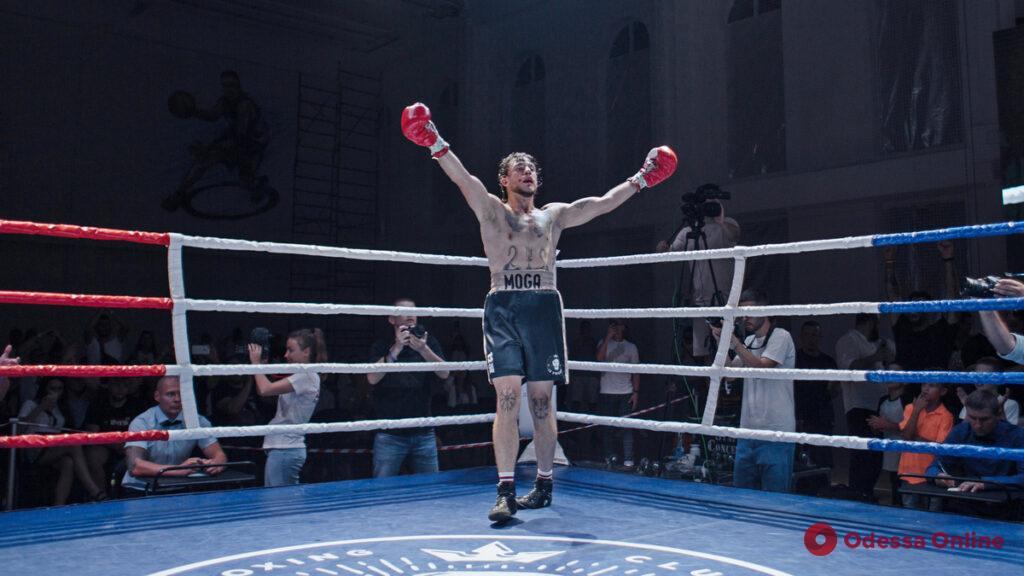 Вечер профессионального бокса в Одессе: хозяева ринга выиграли десять боев из десяти