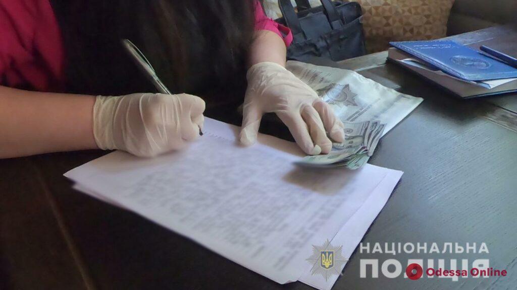 В Одессе новоиспеченный гражданин Украины пытался подкупить сотрудника СБУ