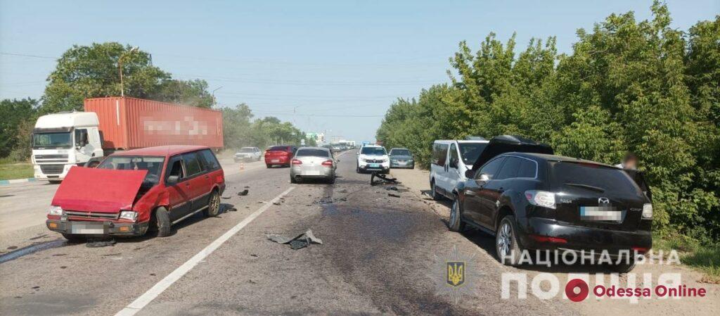 Под Одессой столкнулись четыре автомобиля – три человека в больнице