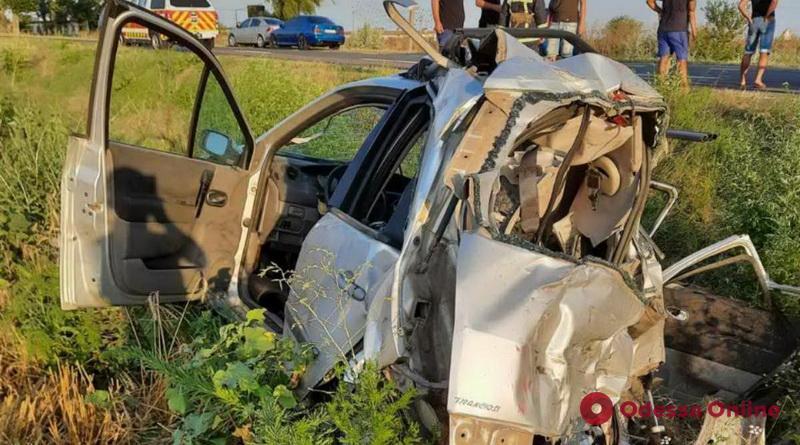 Легковушку разорвало на части: на трассе Одесса-Рени произошло смертельное ДТП (фото)
