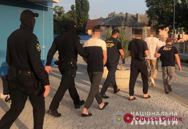 Под видом сотрудников банка выманивали реквизиты: в Одессе «накрыли» мошеннический колл-центр с миллионными оборотами (видео)