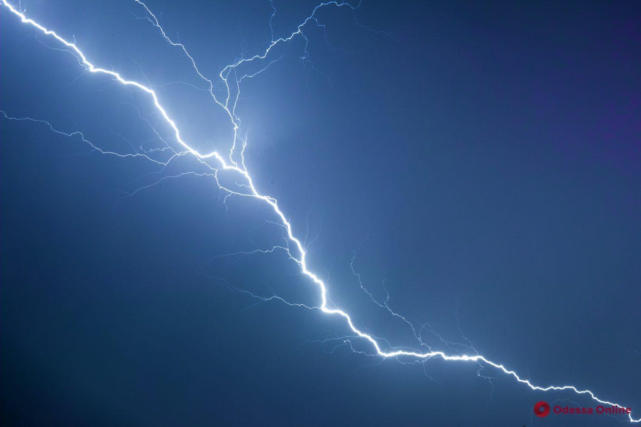 Во Львовской области 14-летний подросток погиб от удара молнии