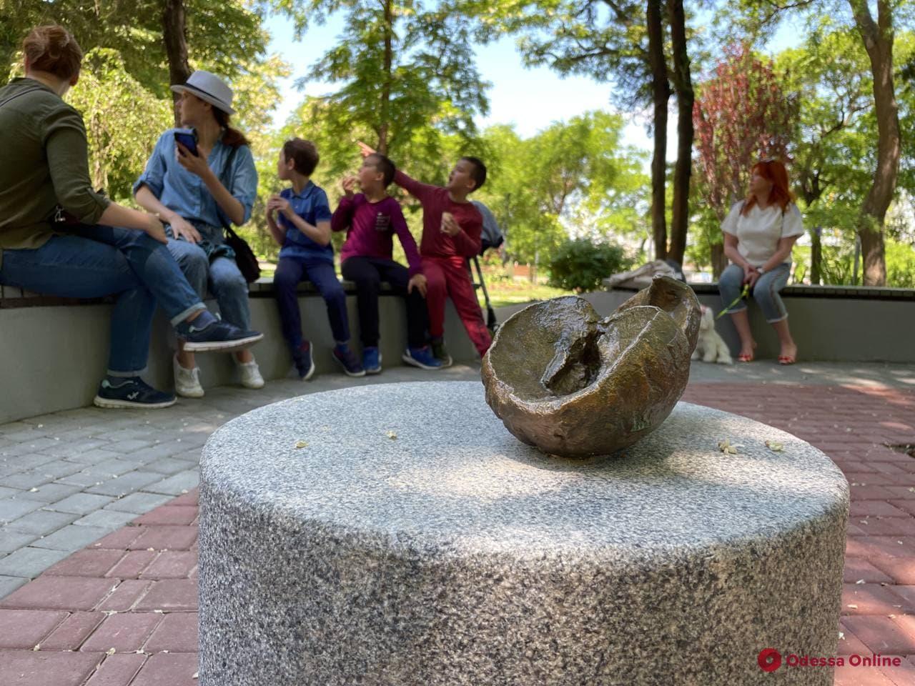 Скульптуры «Сада жизни» в Греческом парке передали под опеку мэрии