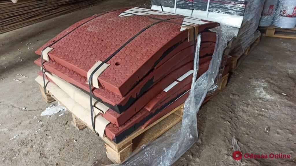 На площади Деревянко для борьбы с дрифтерами установят «берлинские подушки»