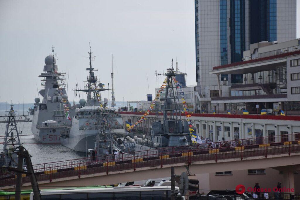 Зеленский прибыл в Одессу для участия в праздновании Дня ВМС Украины