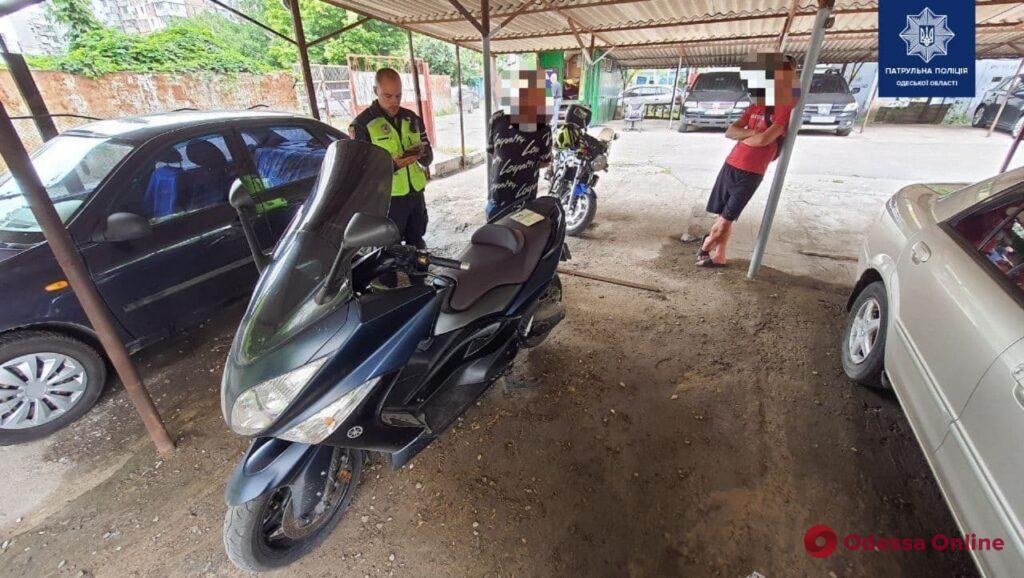 Одесские патрульные изъяли находившийся в розыске мотоцикл